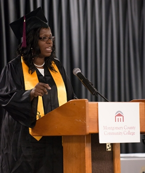 Student speaker Vanessa Perry addresses her fellow graduates. Photo by Sandi Yanisko