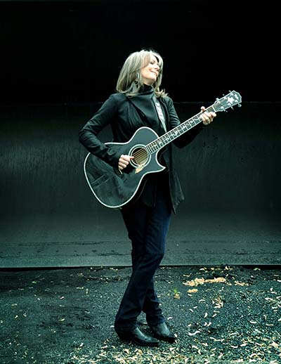 Kathy Mattea, photo by David McClister